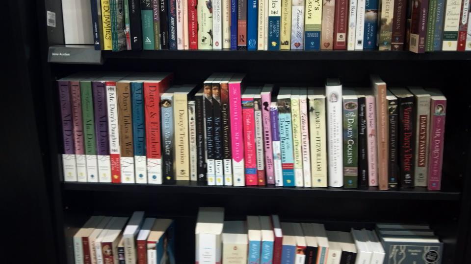 Abigail reynolds jane austen brasil abigail reynolds me enviou hoje umas fotos que ela tirou na waterstones bookstore uma livraria muito simptica em bath eles reservaram l provavelmente fandeluxe Choice Image